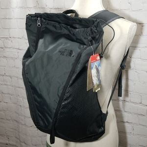 The North Face Black Diad 18 Backpack NWT